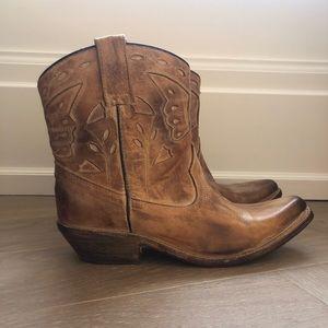 Shoes - Short cowboy booties